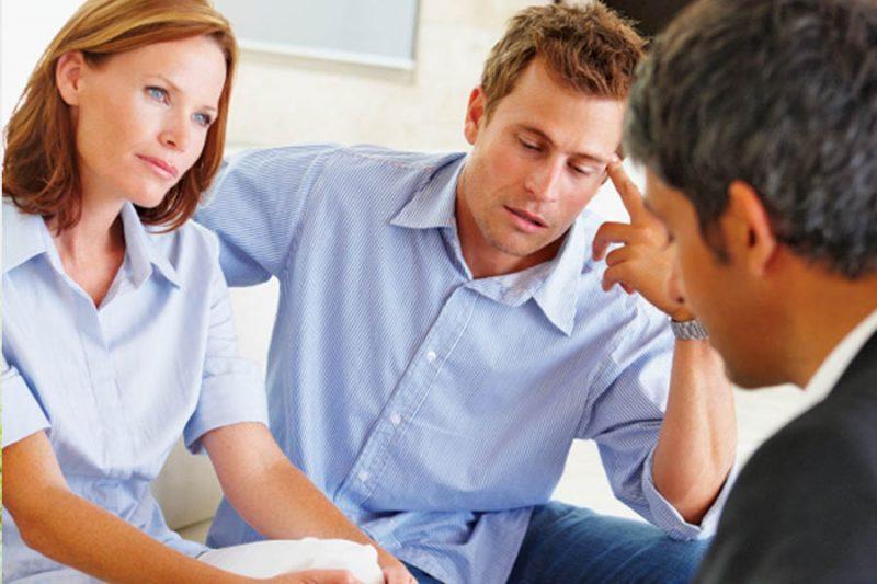 Parents consulting therapist.